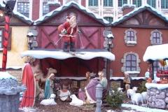 kerststal met kerstman